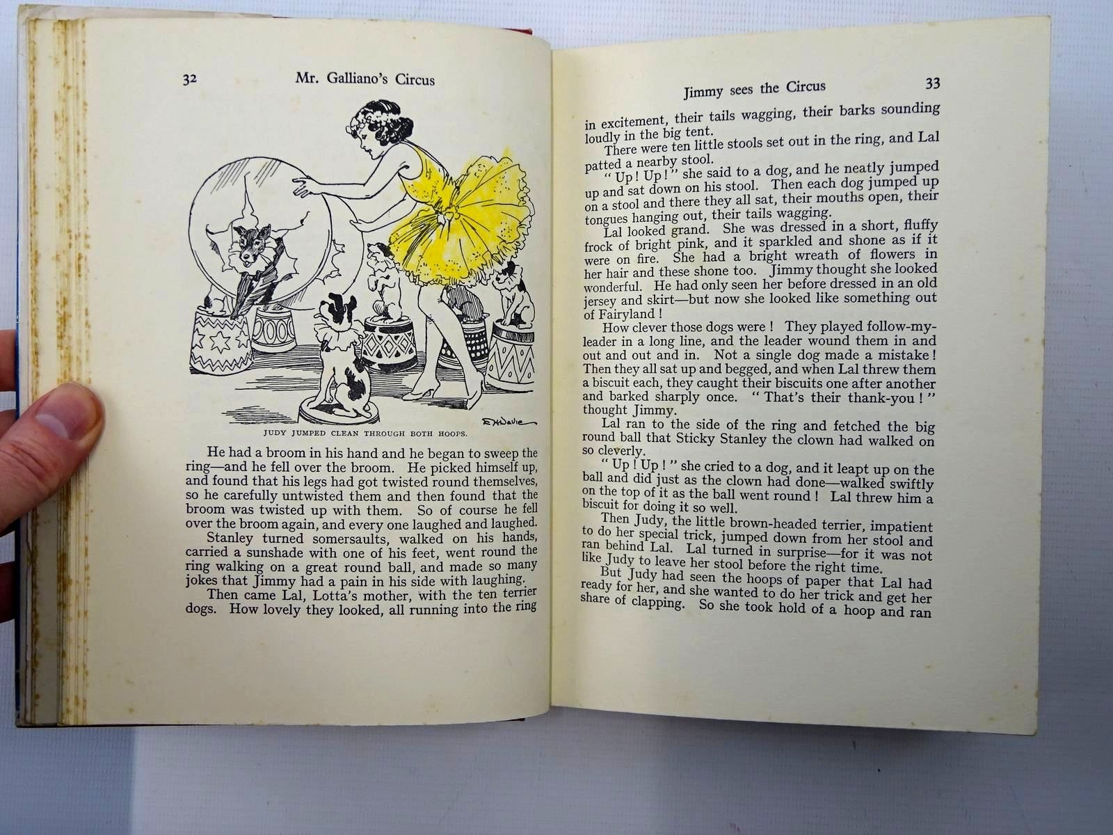 Photo of MR. GALLIANO'S CIRCUS written by Blyton, Enid illustrated by Davie, E.H. published by George Newnes Ltd. (STOCK CODE: 2125353)  for sale by Stella & Rose's Books