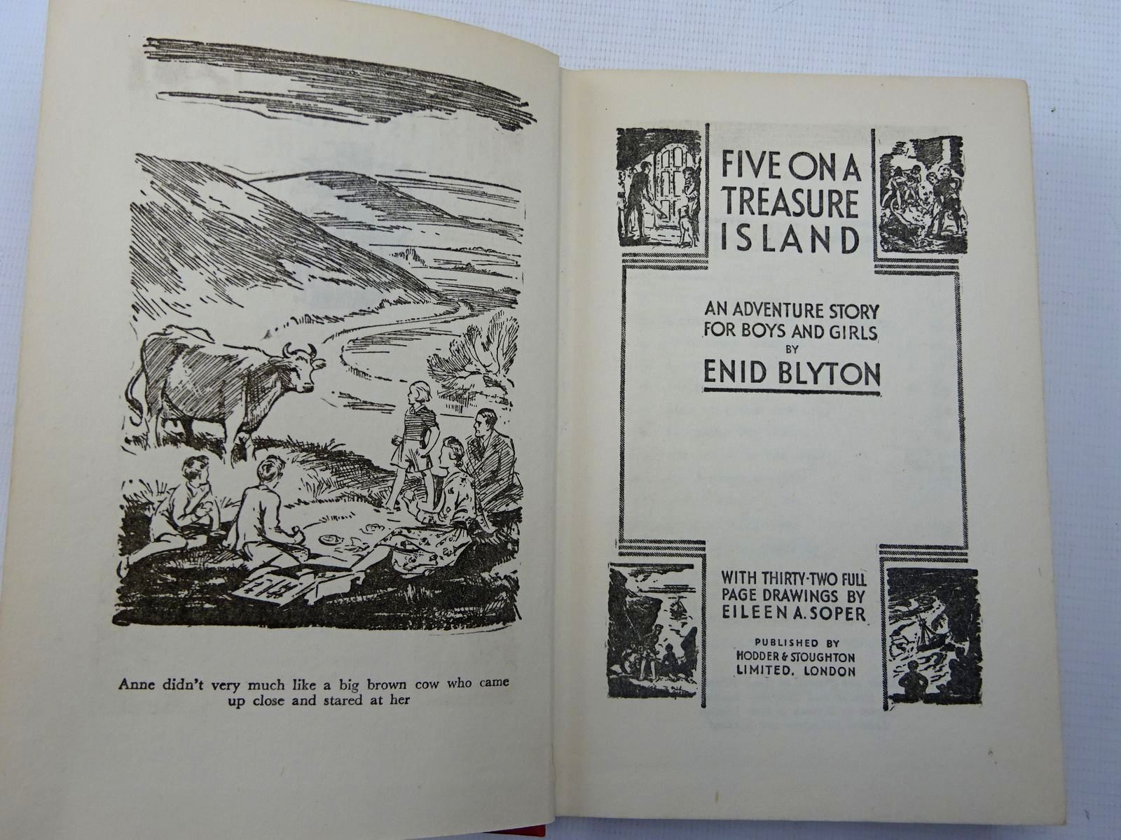 Photo of FIVE ON A TREASURE ISLAND written by Blyton, Enid illustrated by Soper, Eileen published by Hodder & Stoughton (STOCK CODE: 2128067)  for sale by Stella & Rose's Books