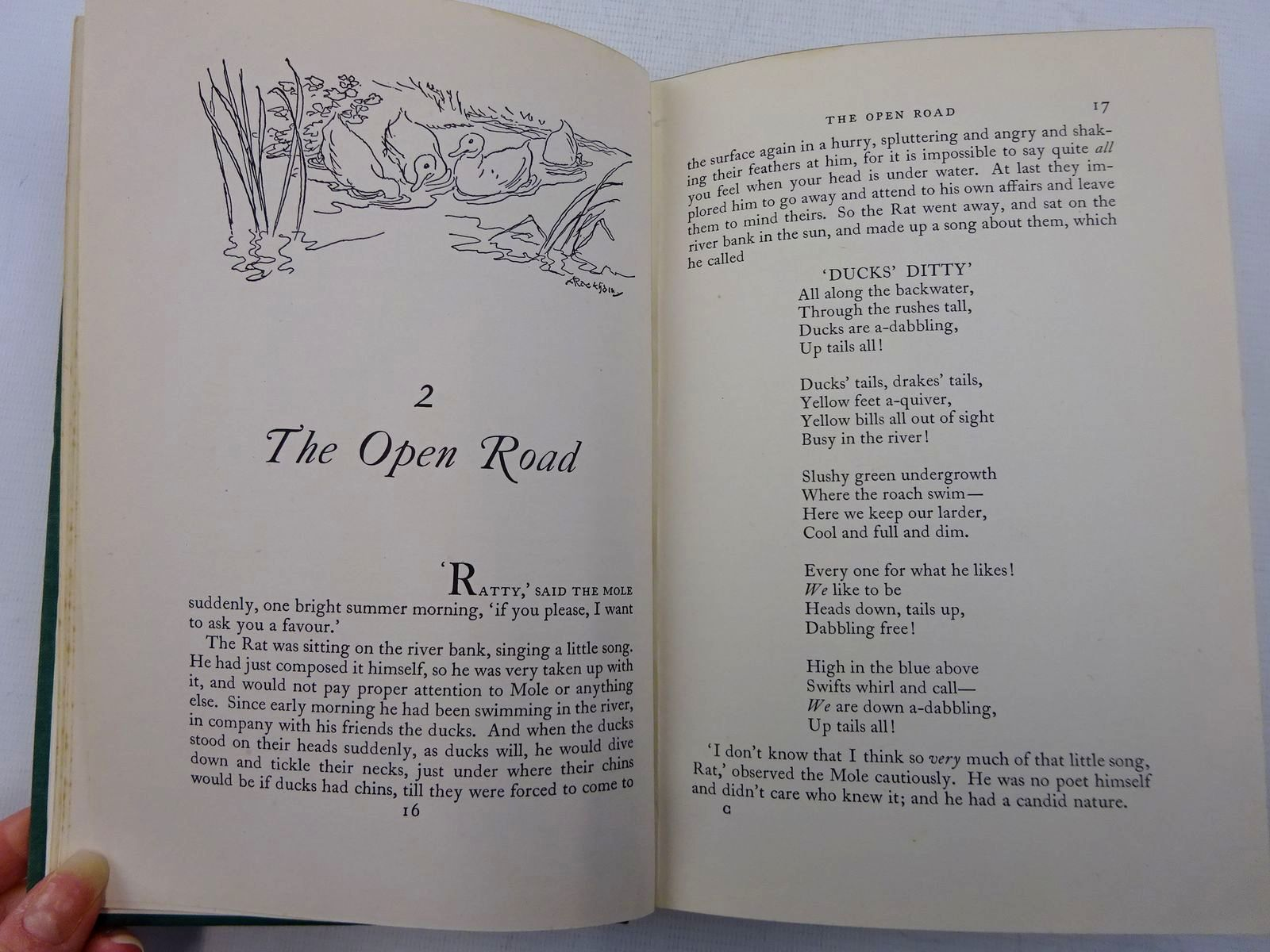 Photo of THE WIND IN THE WILLOWS written by Grahame, Kenneth illustrated by Rackham, Arthur published by Methuen & Co. Ltd. (STOCK CODE: 2128759)  for sale by Stella & Rose's Books