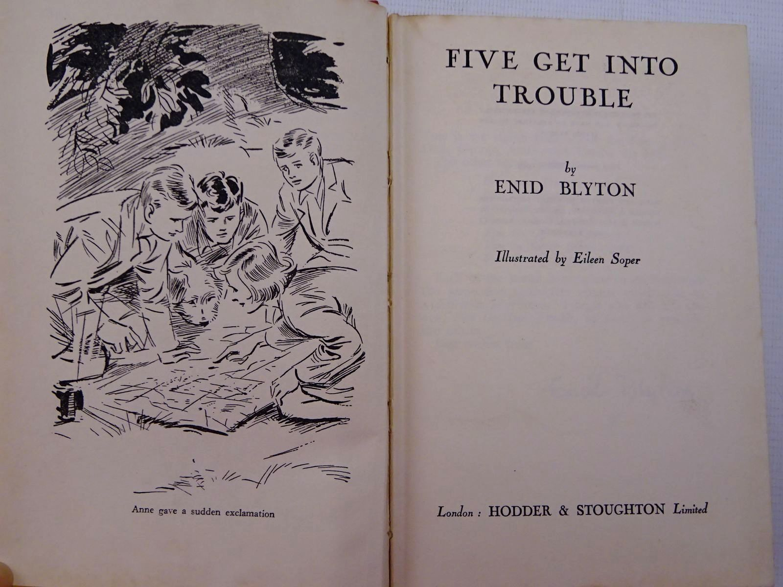 Photo of FIVE GET INTO TROUBLE written by Blyton, Enid illustrated by Soper, Eileen published by Hodder & Stoughton (STOCK CODE: 2129015)  for sale by Stella & Rose's Books