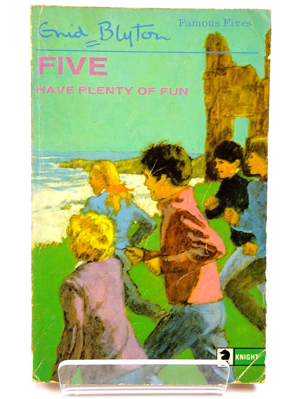 Photo of FIVE HAVE PLENTY OF FUN written by Blyton, Enid illustrated by Soper, Eileen published by Knight Books (STOCK CODE: 2130557)  for sale by Stella & Rose's Books