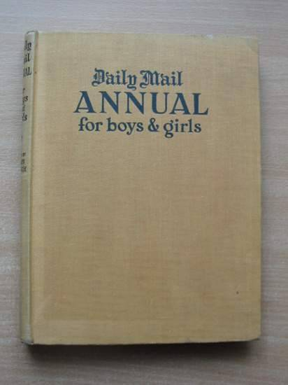 Photo of DAILY MAIL ANNUAL FOR BOYS & GIRLS written by French, Susan (STOCK CODE: 582567)  for sale by Stella & Rose's Books
