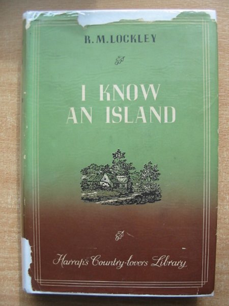 Photo of I KNOW AN ISLAND written by Lockley, Ronald M. illustrated by Lucas, James published by George G. Harrap & Co. Ltd. (STOCK CODE: 591338)  for sale by Stella & Rose's Books