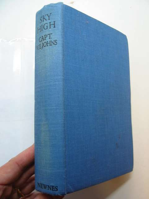 Photo of SKY HIGH written by Johns, W.E. published by Newnes (STOCK CODE: 811890)  for sale by Stella & Rose's Books