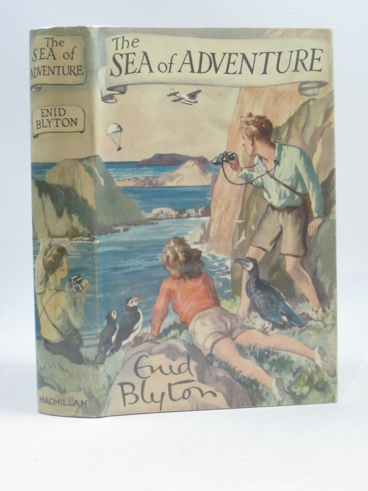 Cover of THE SEA OF ADVENTURE by Enid Blyton