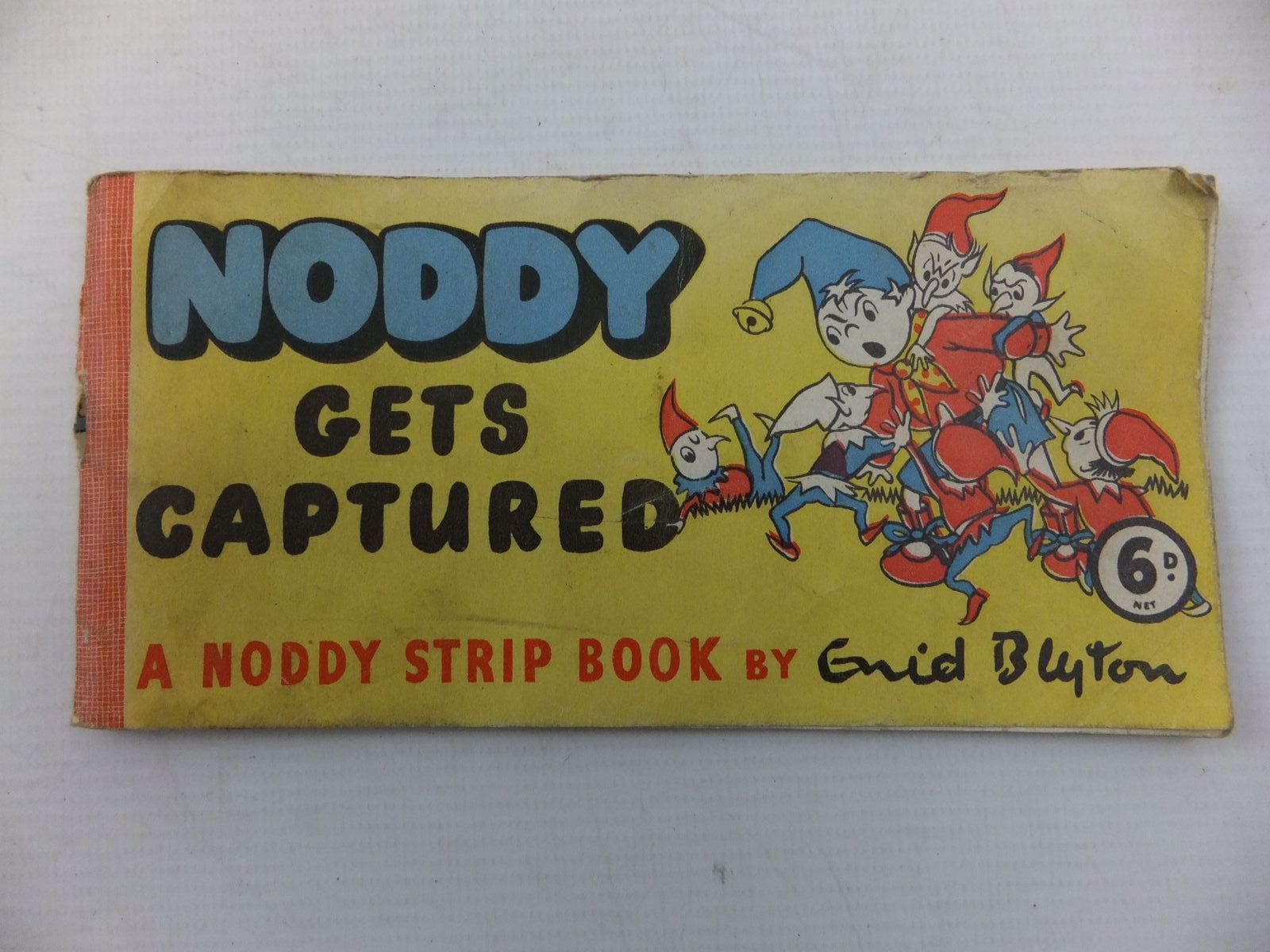 Photo of NODDY GETS CAPTURED written by Blyton, Enid illustrated by Beek,  published by Sampson Low (STOCK CODE: 1108944)  for sale by Stella & Rose's Books