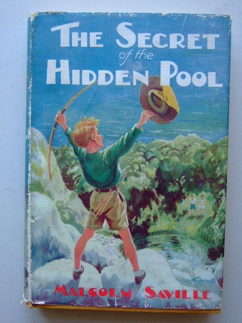 Photo of THE SECRET OF THE HIDDEN POOL written by Saville, Malcolm illustrated by Roberts, Lunt published by John Murray (STOCK CODE: 1204025)  for sale by Stella & Rose's Books