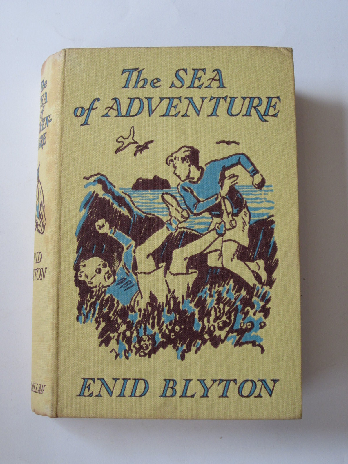 Photo of THE SEA OF ADVENTURE written by Blyton, Enid illustrated by Tresilian, Stuart published by Macmillan & Co. Ltd. (STOCK CODE: 1308166)  for sale by Stella & Rose's Books