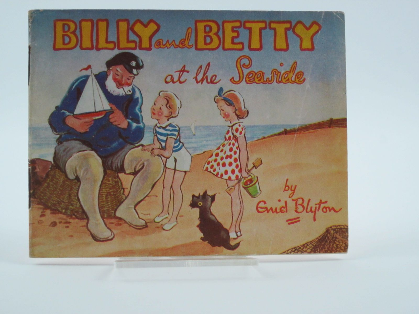 Photo of BILLY AND BETTY AT THE SEASIDE- Stock Number: 1309479