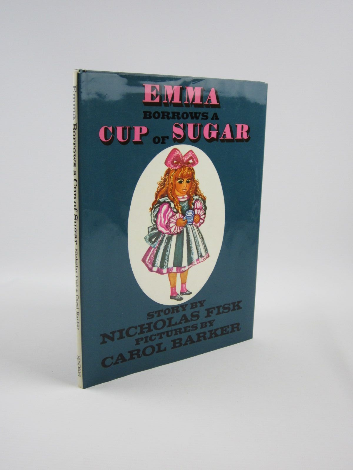 Photo of EMMA BORROWS A CUP OF SUGAR written by Fisk, Nicholas illustrated by Barker, Carol published by Heinemann (STOCK CODE: 1310162)  for sale by Stella & Rose's Books
