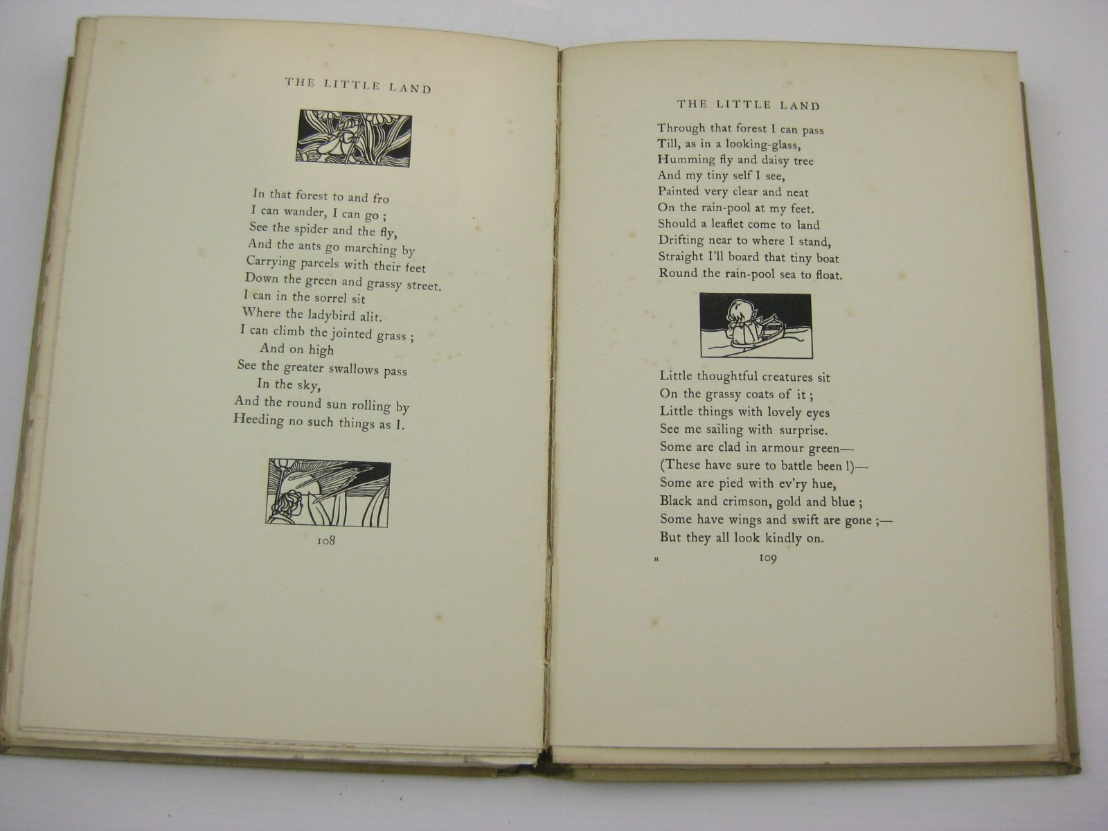 Photo of A CHILD'S GARDEN OF VERSES written by Stevenson, Robert Louis illustrated by Robinson, Charles published by John Lane The Bodley Head (STOCK CODE: 1316809)  for sale by Stella & Rose's Books