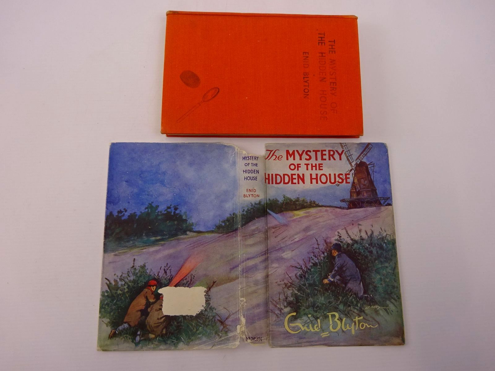 Photo of THE MYSTERY OF THE HIDDEN HOUSE written by Blyton, Enid illustrated by Abbey, J. published by Methuen & Co. Ltd. (STOCK CODE: 1317708)  for sale by Stella & Rose's Books