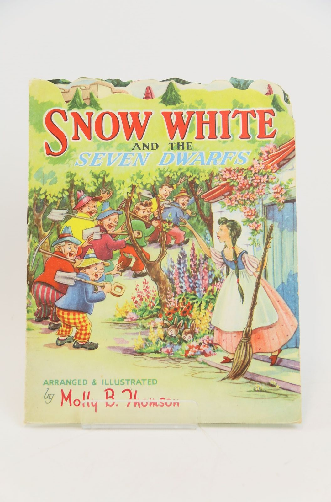 Photo of SNOW WHITE AND THE SEVEN DWARFS written by Thomson, Molly B. illustrated by Thomson, Molly B. published by Collins Clear-Type Press (STOCK CODE: 1317873)  for sale by Stella & Rose's Books