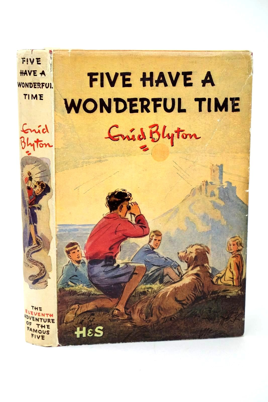 Photo of FIVE HAVE A WONDERFUL TIME written by Blyton, Enid illustrated by Soper, Eileen published by Hodder & Stoughton (STOCK CODE: 1318519)  for sale by Stella & Rose's Books