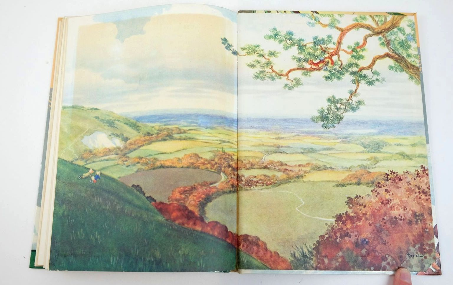 Photo of RUPERT ANNUAL 1962 written by Bestall, Alfred illustrated by Bestall, Alfred published by Daily Express (STOCK CODE: 1318830)  for sale by Stella & Rose's Books