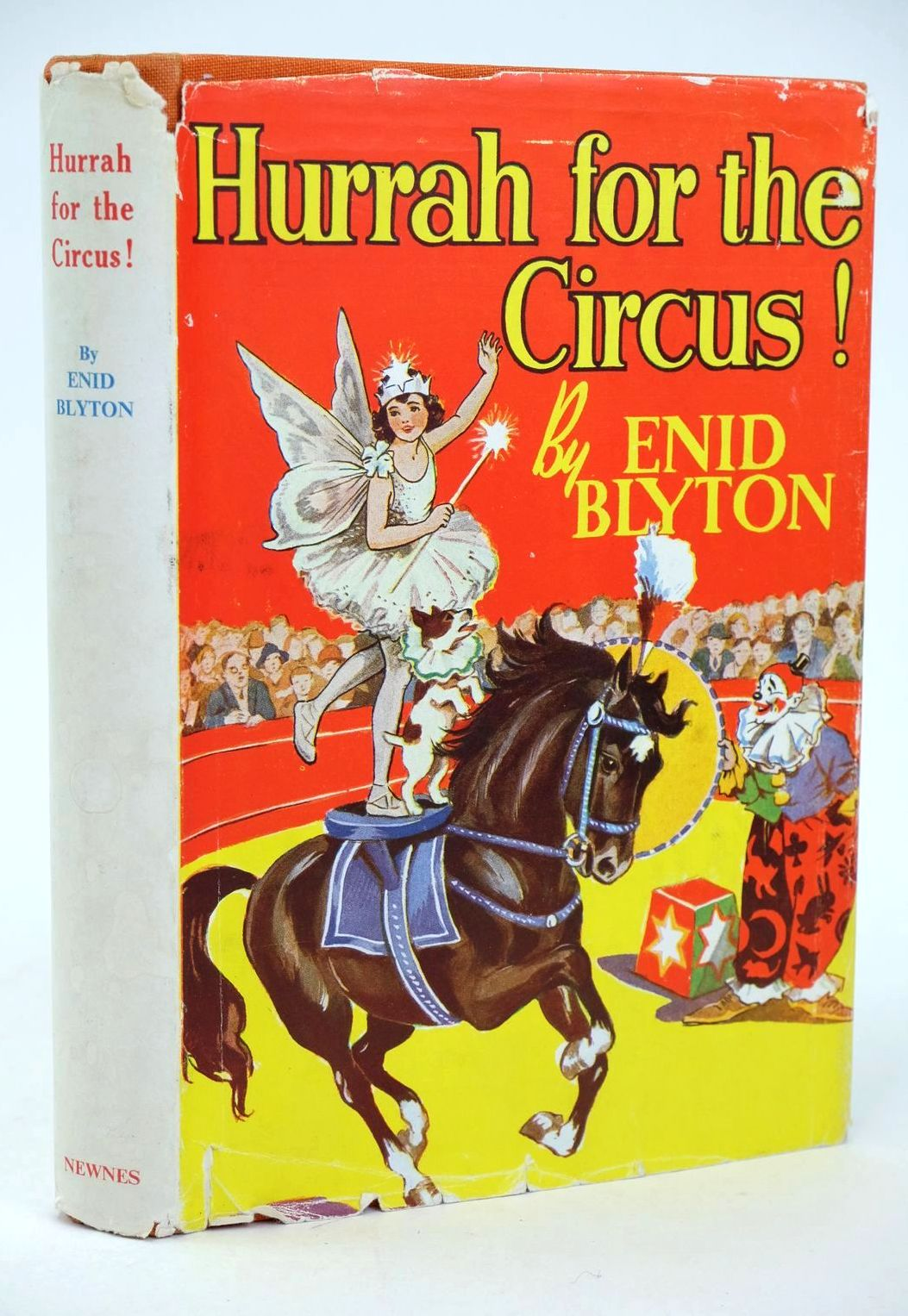 Photo of HURRAH FOR THE CIRCUS! written by Blyton, Enid illustrated by Davie, E.H. published by George Newnes Ltd. (STOCK CODE: 1318990)  for sale by Stella & Rose's Books