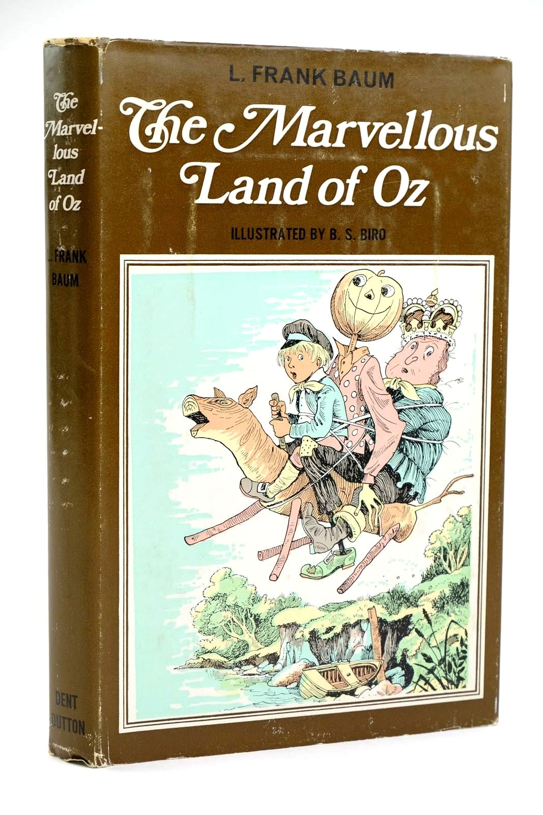Photo of THE MARVELLOUS LAND OF OZ written by Baum, L. Frank illustrated by Biro, B. published by J.M. Dent & Sons Ltd. (STOCK CODE: 1319181)  for sale by Stella & Rose's Books