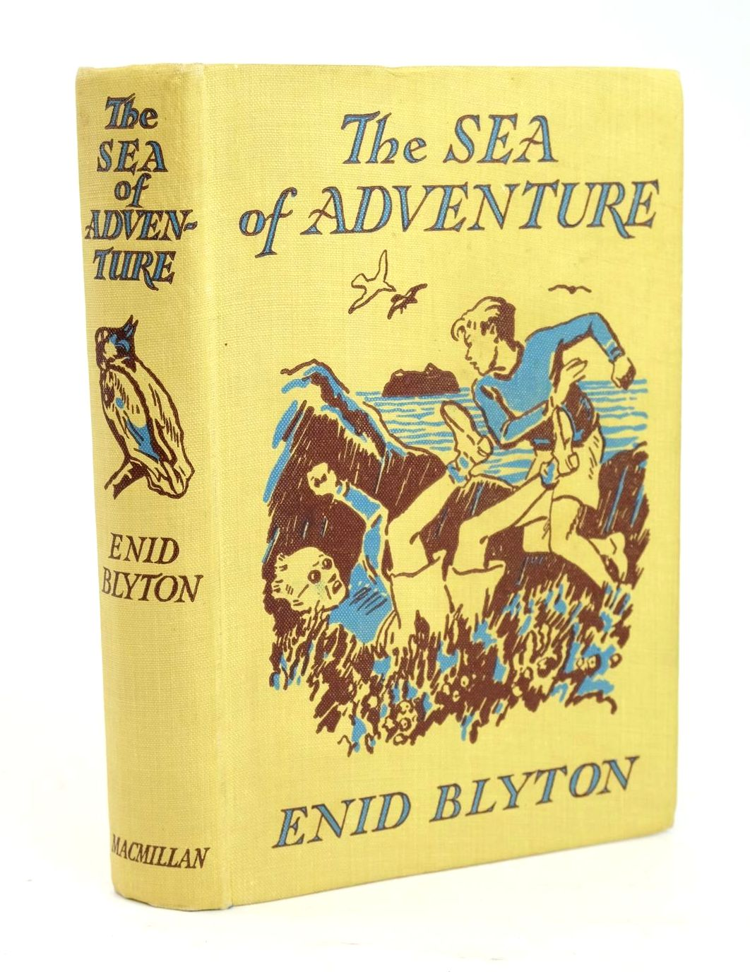 Photo of THE SEA OF ADVENTURE written by Blyton, Enid illustrated by Tresilian, Stuart published by Macmillan & Co. Ltd. (STOCK CODE: 1319435)  for sale by Stella & Rose's Books