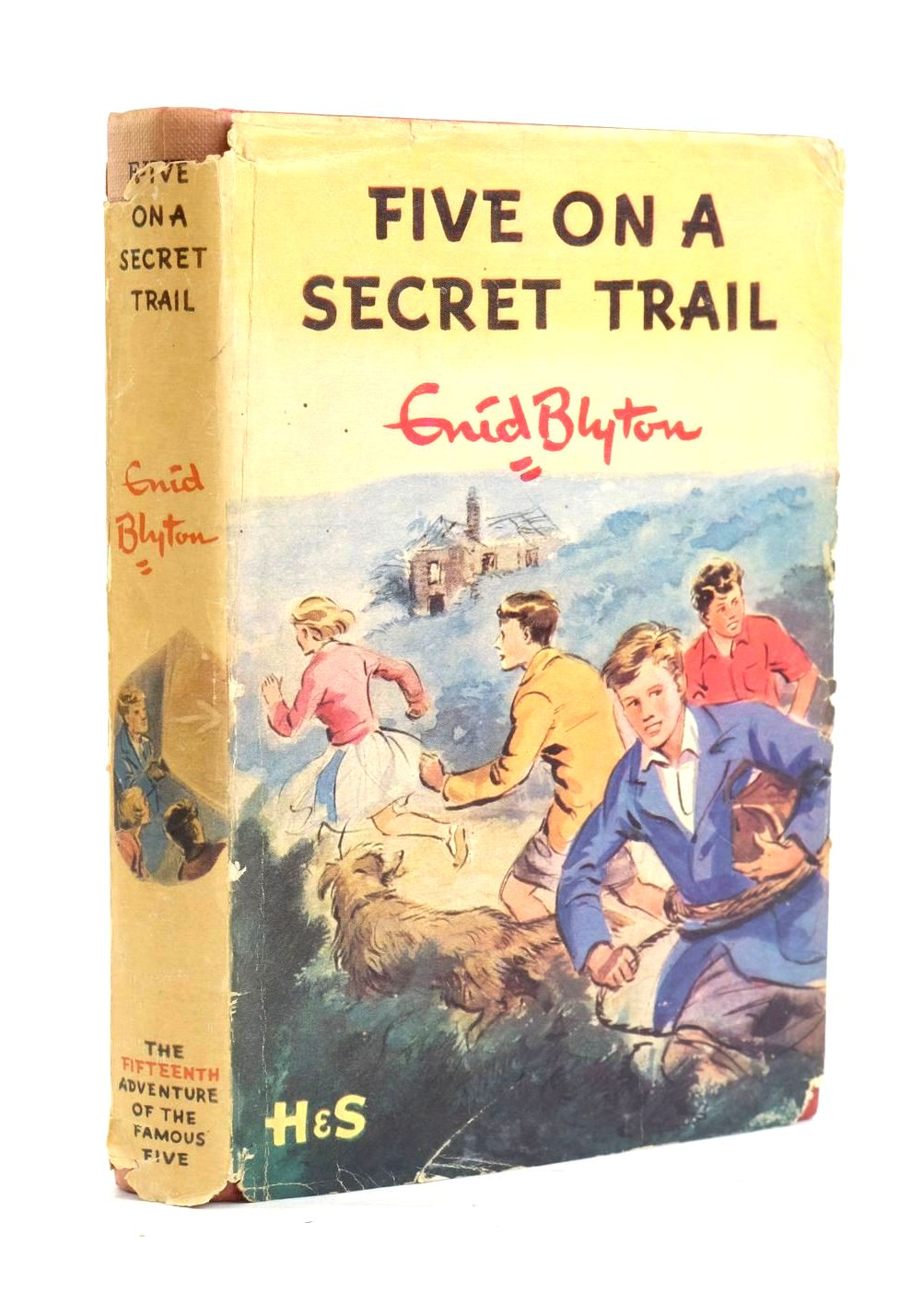 Photo of FIVE ON A SECRET TRAIL written by Blyton, Enid illustrated by Soper, Eileen published by Hodder & Stoughton (STOCK CODE: 1319949)  for sale by Stella & Rose's Books
