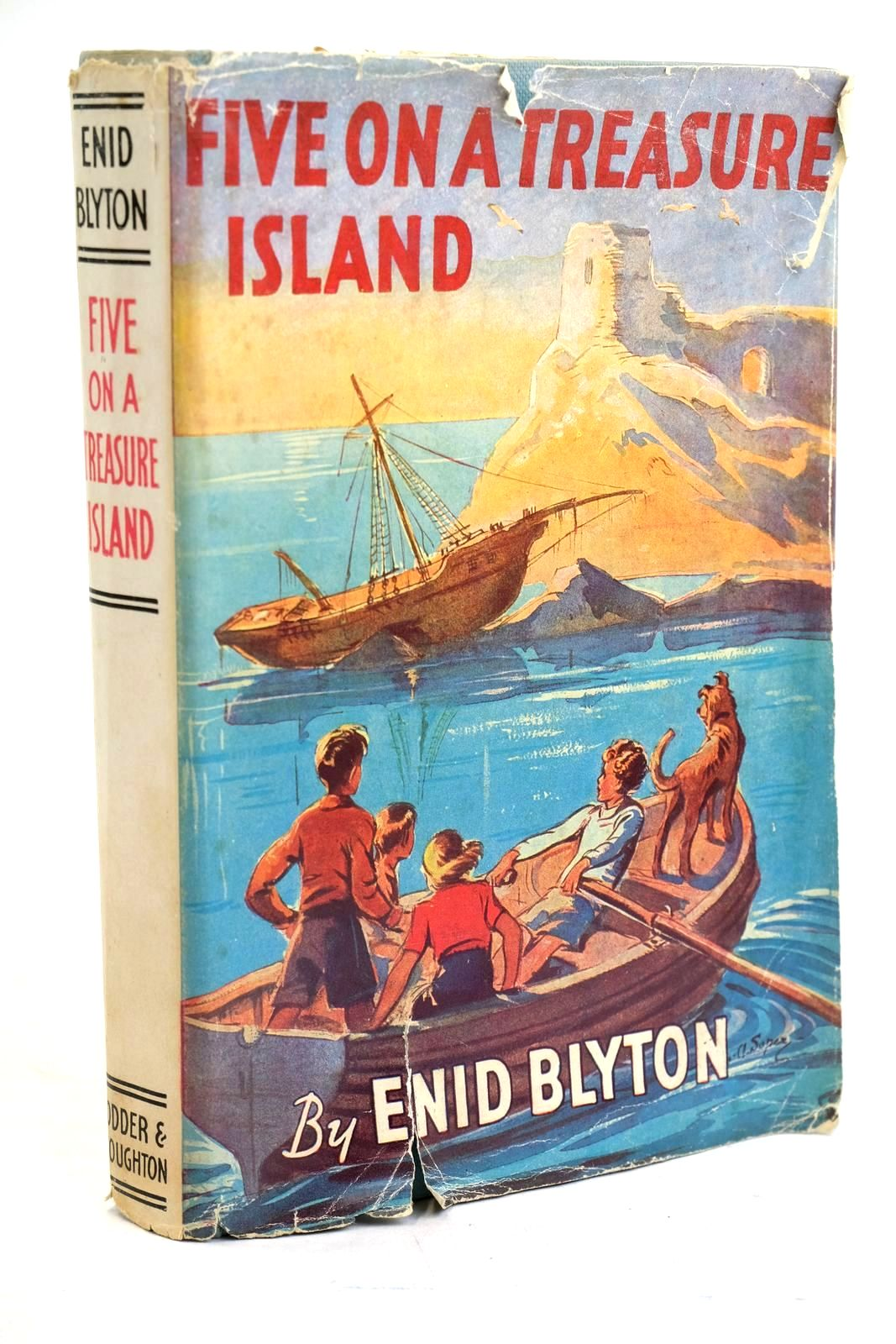 Photo of FIVE ON A TREASURE ISLAND written by Blyton, Enid illustrated by Soper, Eileen published by Hodder & Stoughton (STOCK CODE: 1320552)  for sale by Stella & Rose's Books