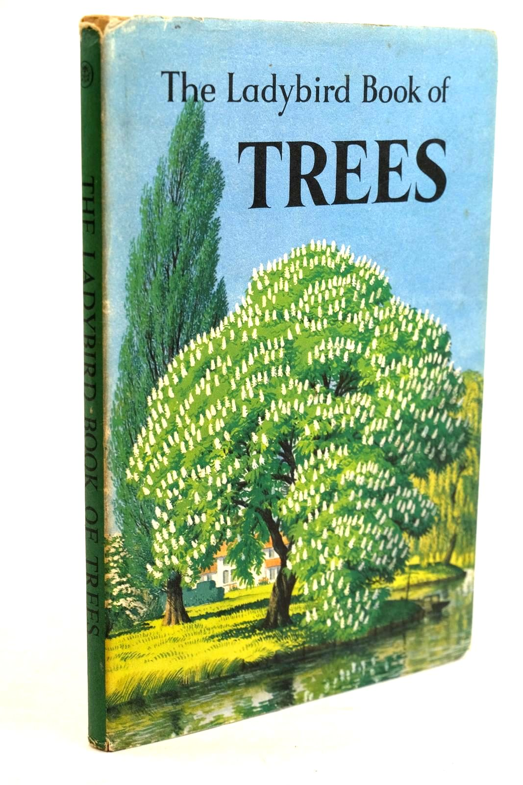 Photo of THE LADYBIRD BOOK OF TREES written by Vesey-Fitzgerald, Brian illustrated by Badmin, S.R. published by Wills & Hepworth Ltd. (STOCK CODE: 1320650)  for sale by Stella & Rose's Books
