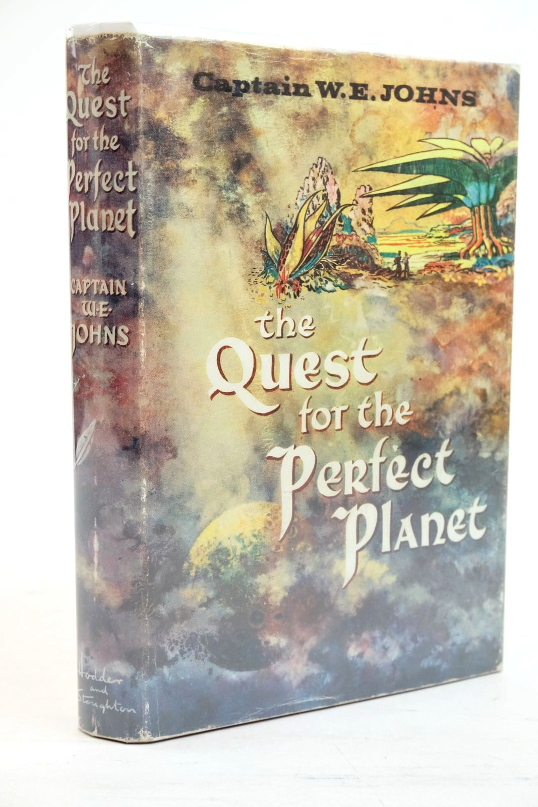 Photo of THE QUEST FOR THE PERFECT PLANET written by Johns, W.E. illustrated by Stead,  published by Hodder & Stoughton (STOCK CODE: 1320788)  for sale by Stella & Rose's Books