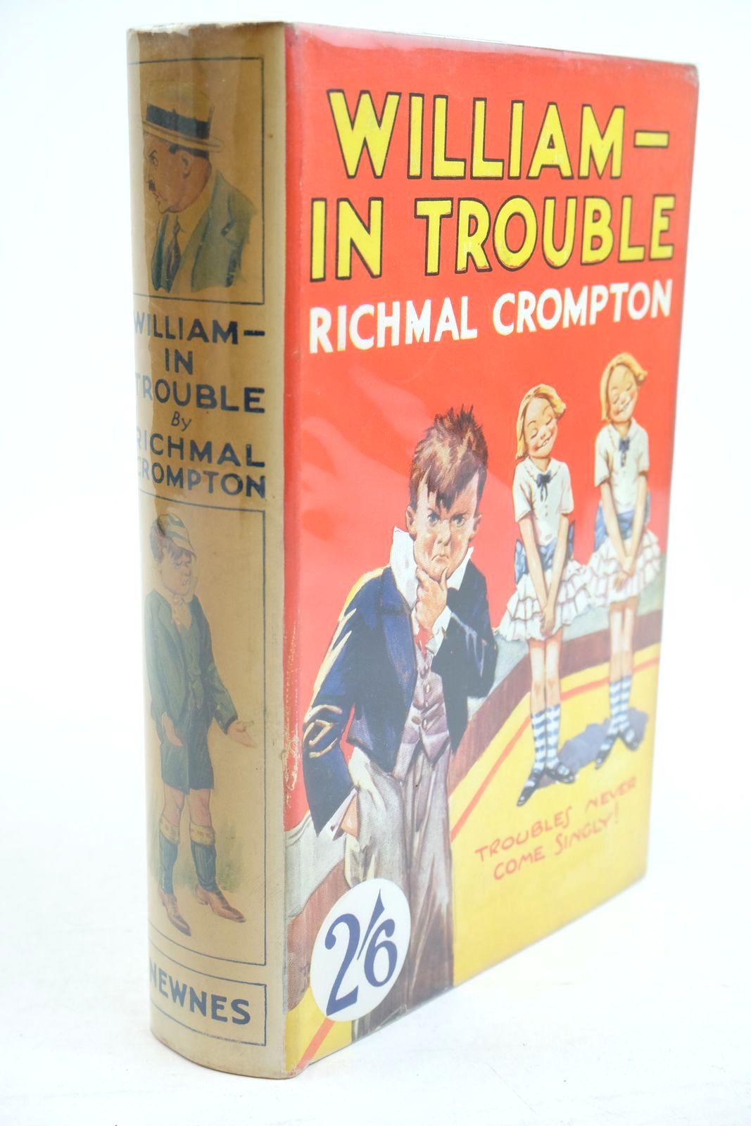 Photo of WILLIAM IN TROUBLE written by Crompton, Richmal illustrated by Henry, Thomas published by George Newnes Limited (STOCK CODE: 1320873)  for sale by Stella & Rose's Books