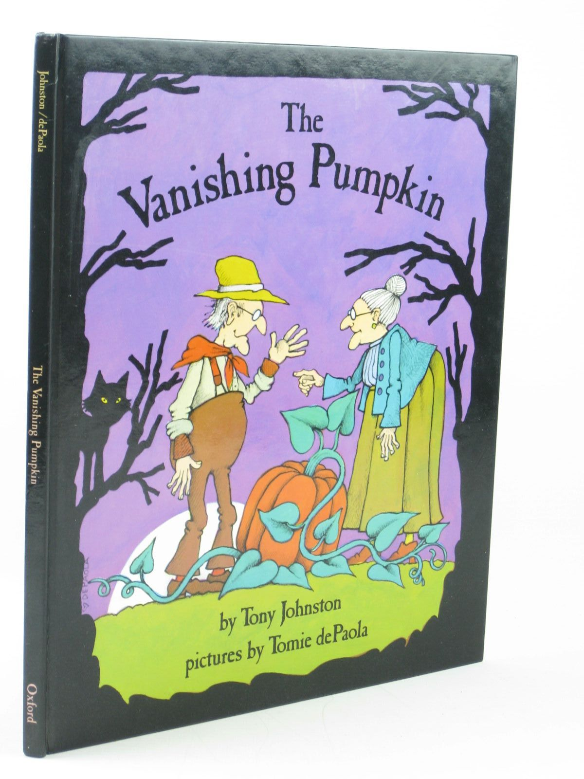 Photo of THE VANISHING PUMPKIN written by Johnston, Tony illustrated by De Paola, Tomie published by Oxford University Press (STOCK CODE: 1402322)  for sale by Stella & Rose's Books