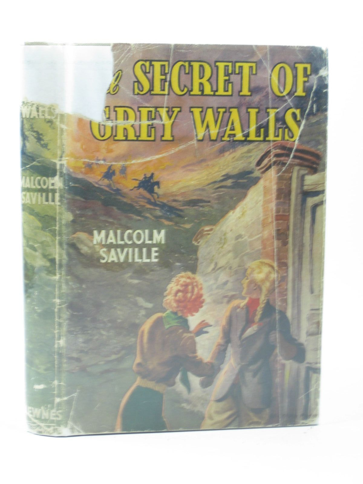 Photo of THE SECRET OF GREY WALLS written by Saville, Malcolm illustrated by Prance, Bertram published by George Newnes Ltd. (STOCK CODE: 1402637)  for sale by Stella & Rose's Books