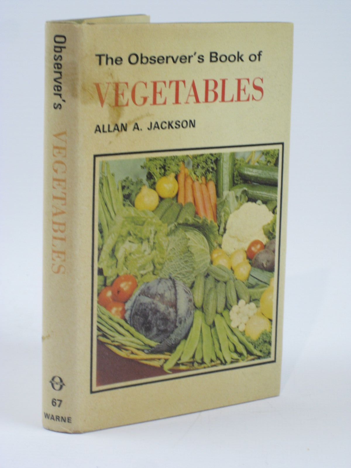 Photo of THE OBSERVER'S BOOK OF VEGETABLES- Stock Number: 1406240