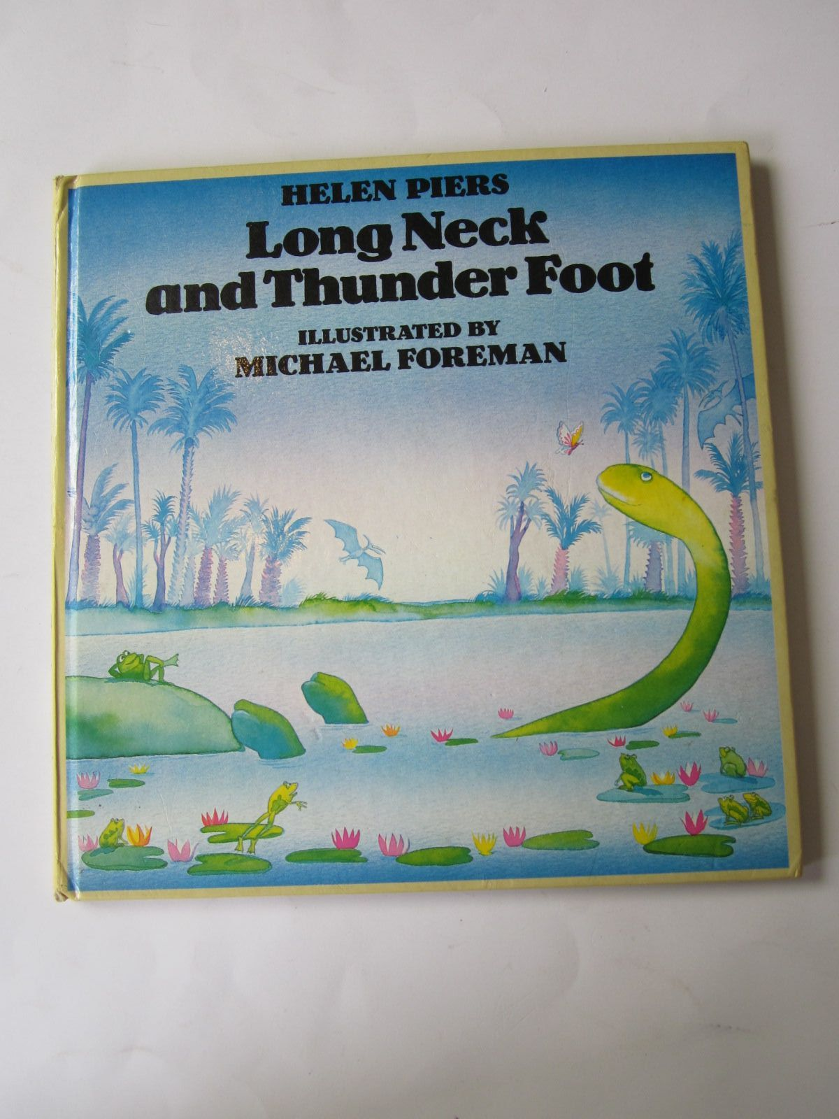 Photo of LONG NECK AND THUNDER FOOT written by Piers, Helen illustrated by Foreman, Michael published by Kestrel Books (STOCK CODE: 1501119)  for sale by Stella & Rose's Books