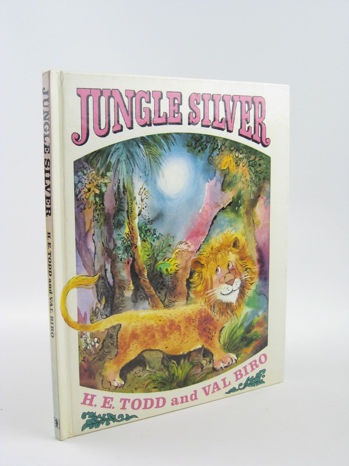 Photo of JUNGLE SILVER written by Todd, H.E. illustrated by Biro, Val published by Hodder & Stoughton (STOCK CODE: 1501412)  for sale by Stella & Rose's Books
