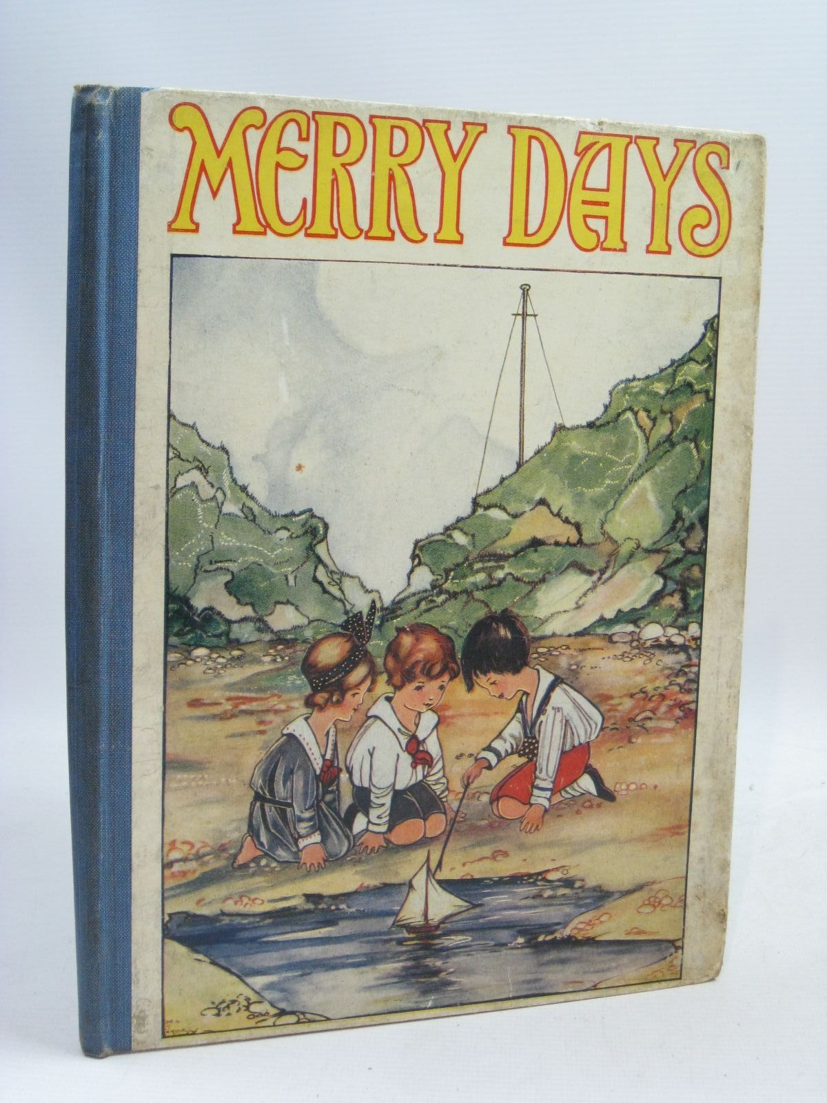 Photo of MERRY DAYS written by Mackintosh, Mabel illustrated by Temple, Chris G. published by John F. Shaw & Co Ltd. (STOCK CODE: 1505920)  for sale by Stella & Rose's Books
