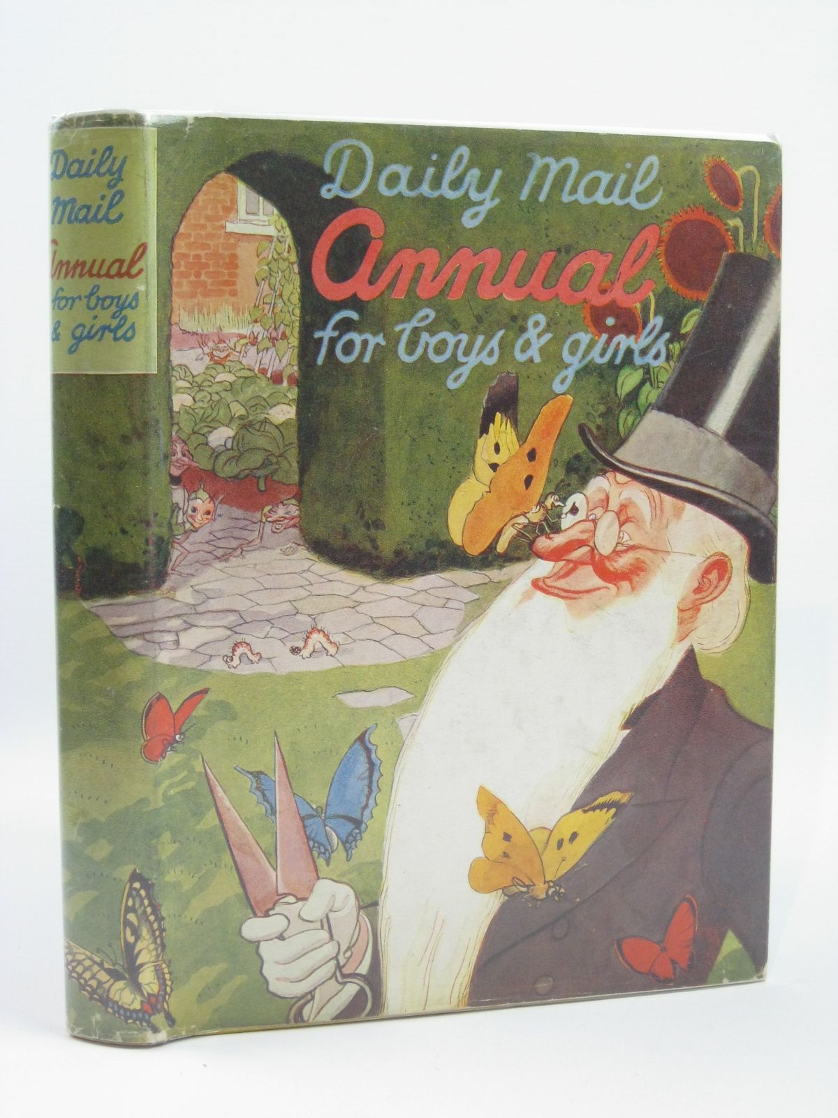 Photo of DAILY MAIL ANNUAL FOR BOYS AND GIRLS written by French, Susan published by Daily Mail (STOCK CODE: 1506560)  for sale by Stella & Rose's Books
