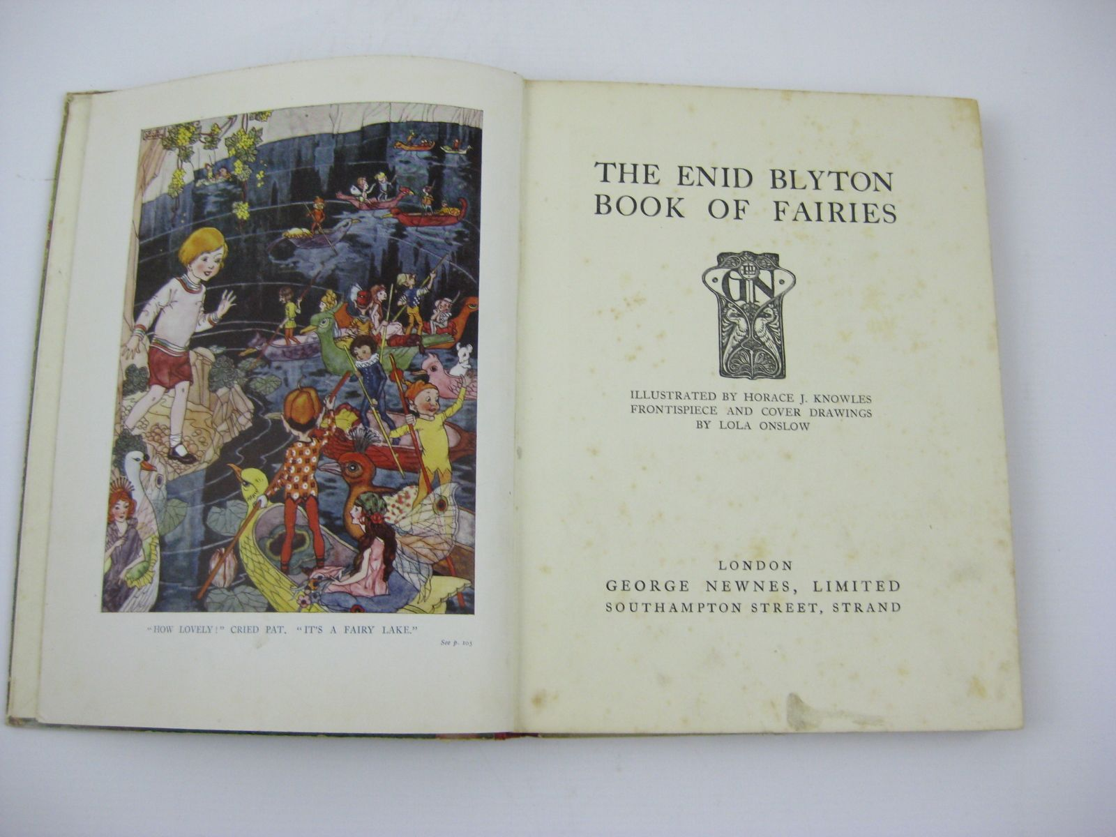 Photo of THE ENID BLYTON BOOK OF FAIRIES written by Blyton, Enid illustrated by Knowles, Horace J.