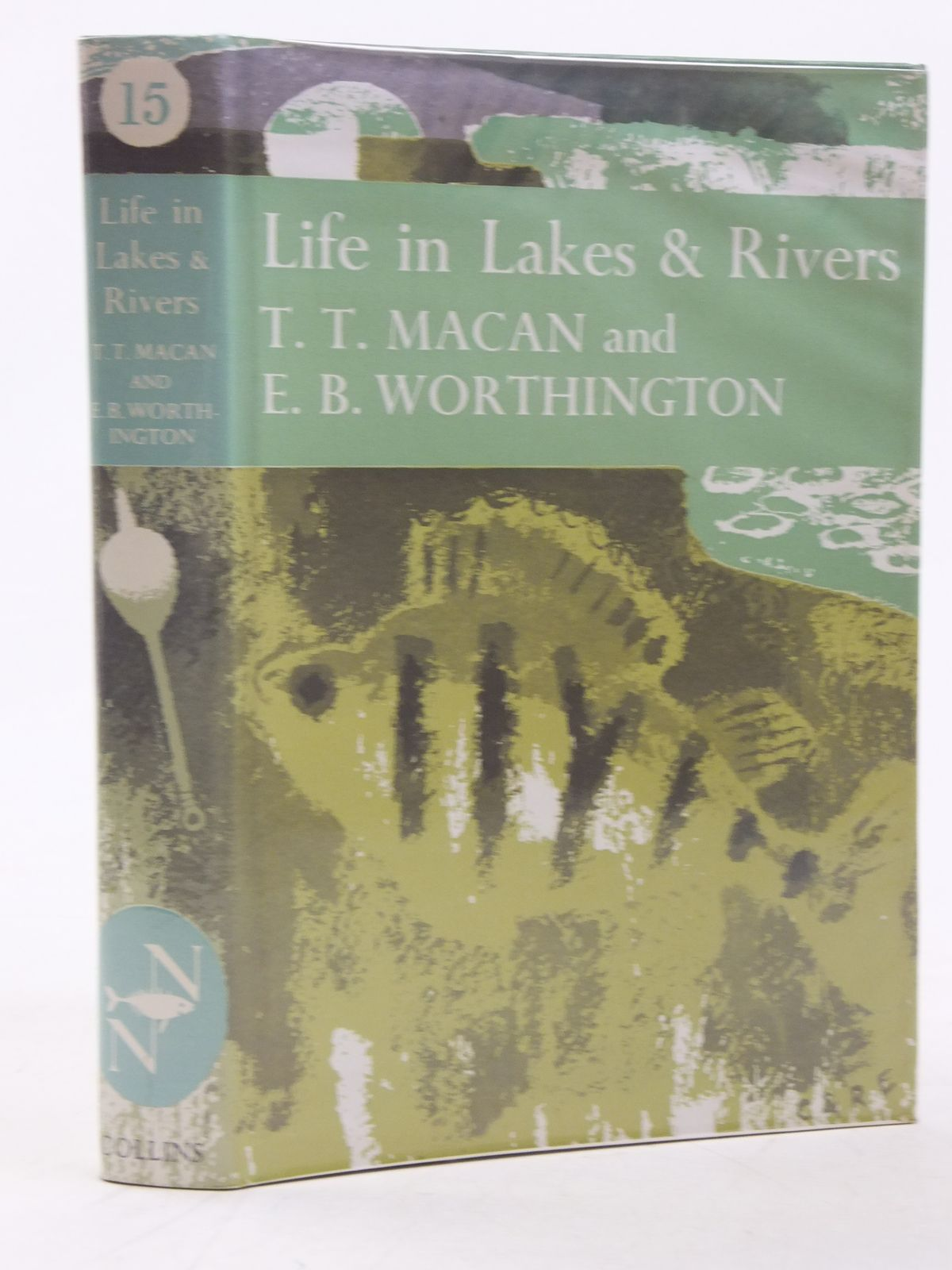 Photo of LIFE IN LAKES AND RIVERS (NN15) written by Macan, T.T.<br />Worthington, E.B. published by Collins (STOCK CODE: 1607025)  for sale by Stella & Rose's Books