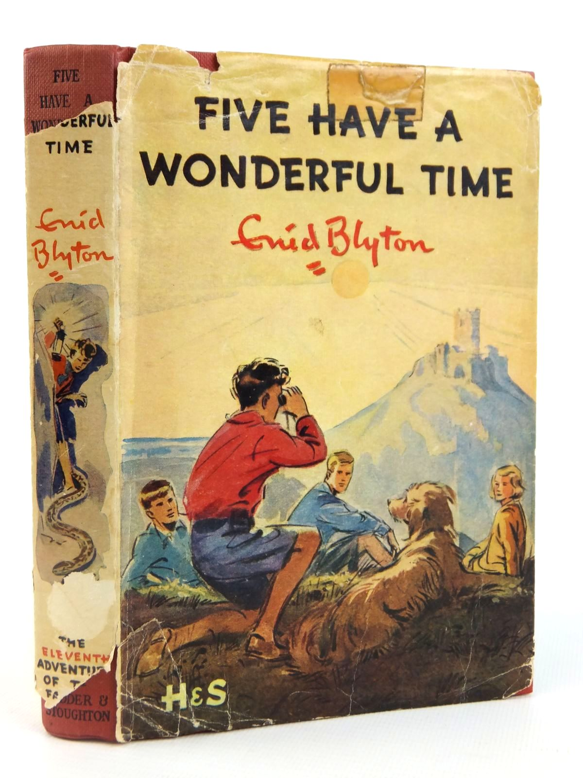 Photo of FIVE HAVE A WONDERFUL TIME written by Blyton, Enid illustrated by Soper, Eileen published by Hodder & Stoughton (STOCK CODE: 1608801)  for sale by Stella & Rose's Books