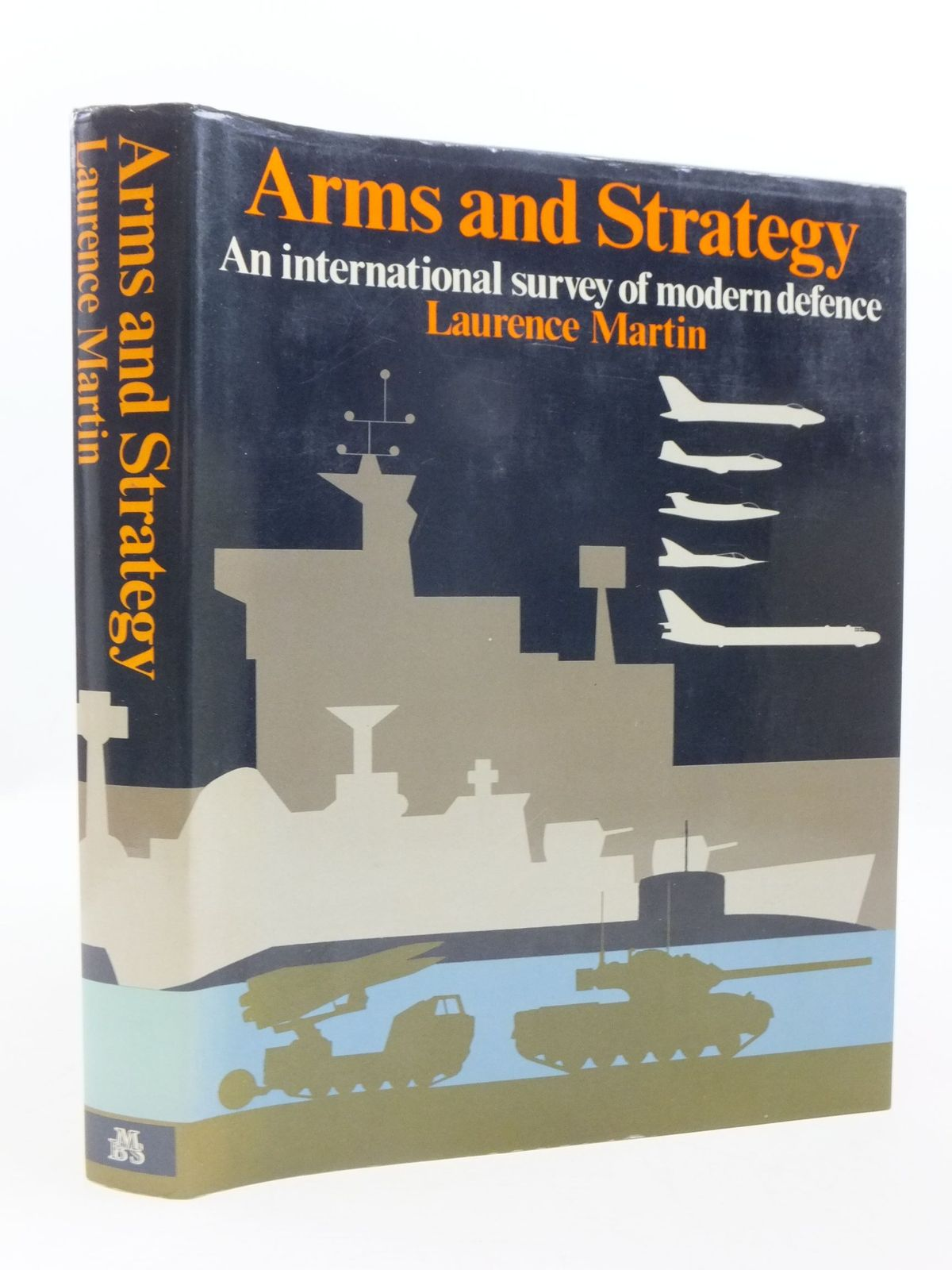 Photo of ARMS AND STRATEGY AN INTERNATIONAL SURVEY OF MODERN DEFENCE- Stock Number: 1708274