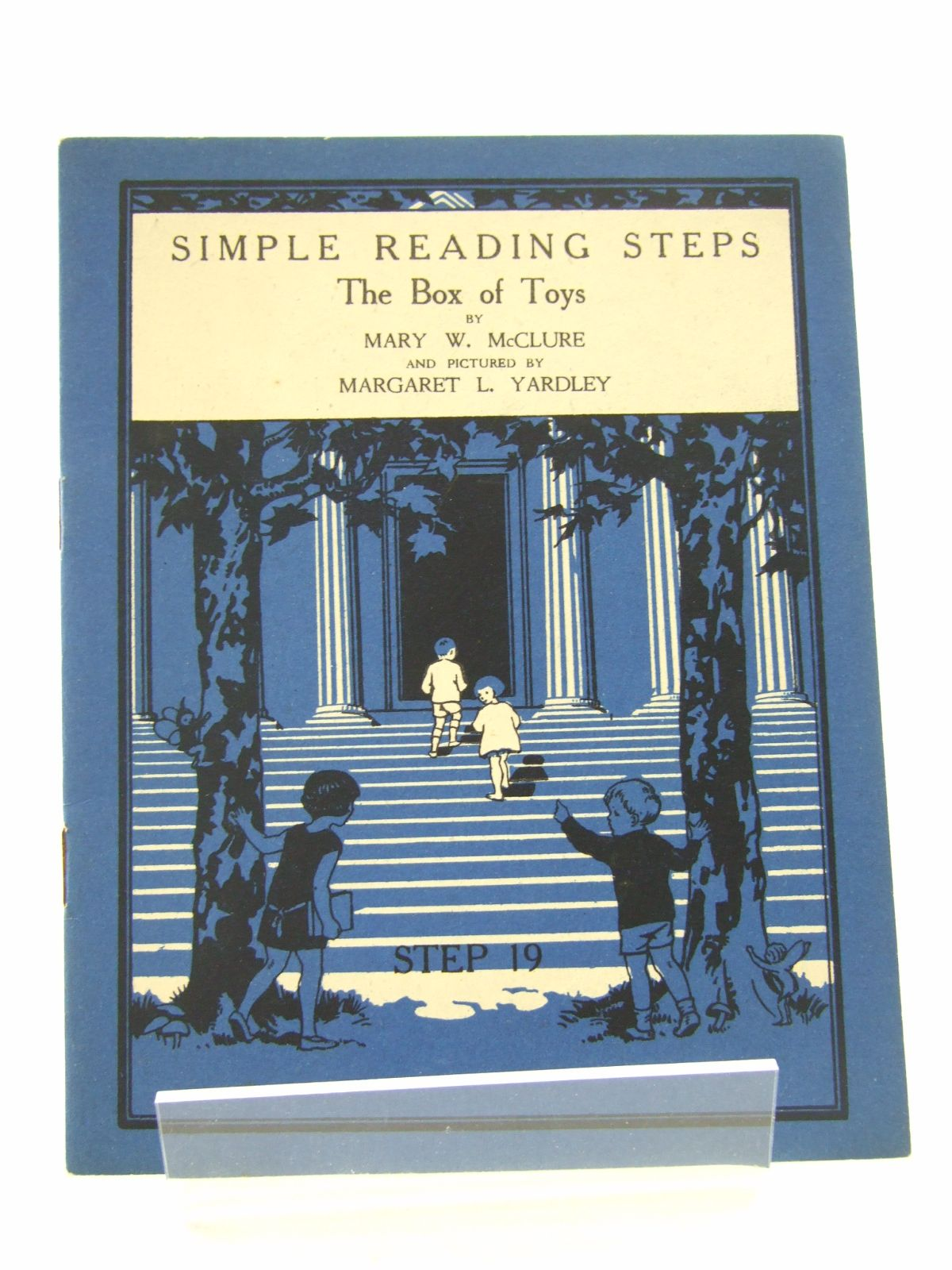 Photo of SIMPLE READING STEPS: THE BOX OF TOYS written by McClure, Mary W. illustrated by Yardley, Margaret L. (STOCK CODE: 1806823)  for sale by Stella & Rose's Books