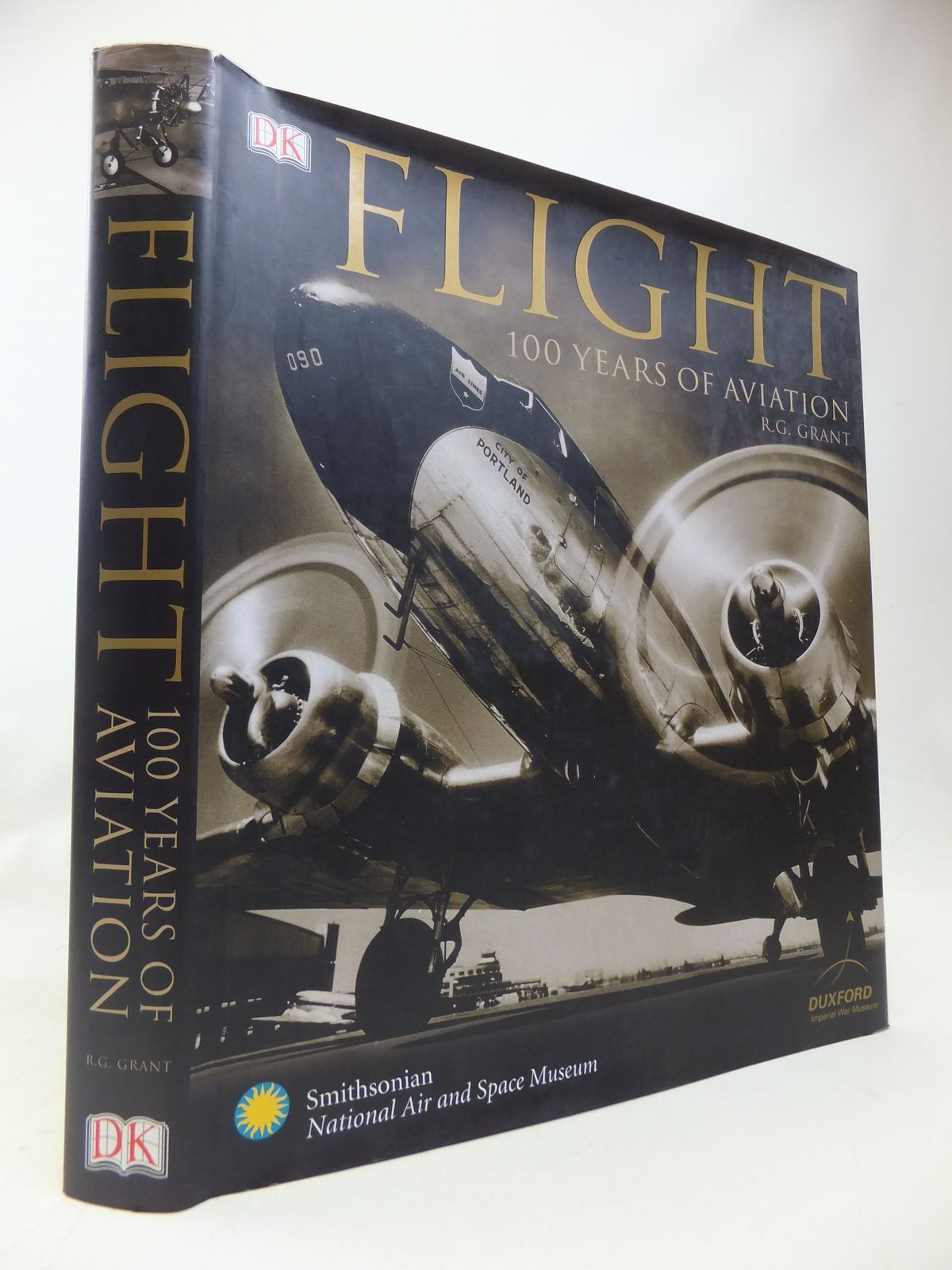 Photo of FLIGHT 100 YEARS OF AVIATION written by Grant, R.G. published by Dorling Kindersley (STOCK CODE: 1810130)  for sale by Stella & Rose's Books