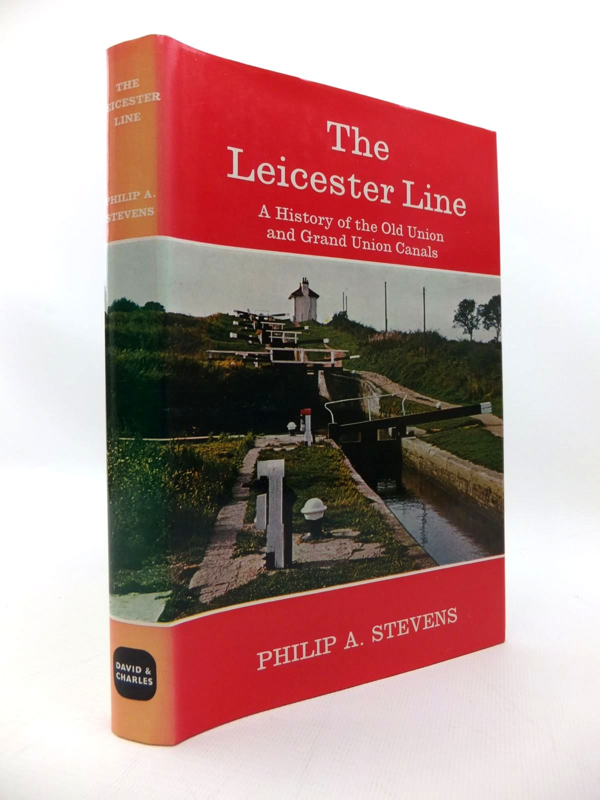 Photo of THE LEICESTER LINE: A HISTORY OF THE OLD UNION AND GRAND UNION CANALS written by Stevens, Philip A. published by David & Charles (STOCK CODE: 1814405)  for sale by Stella & Rose's Books