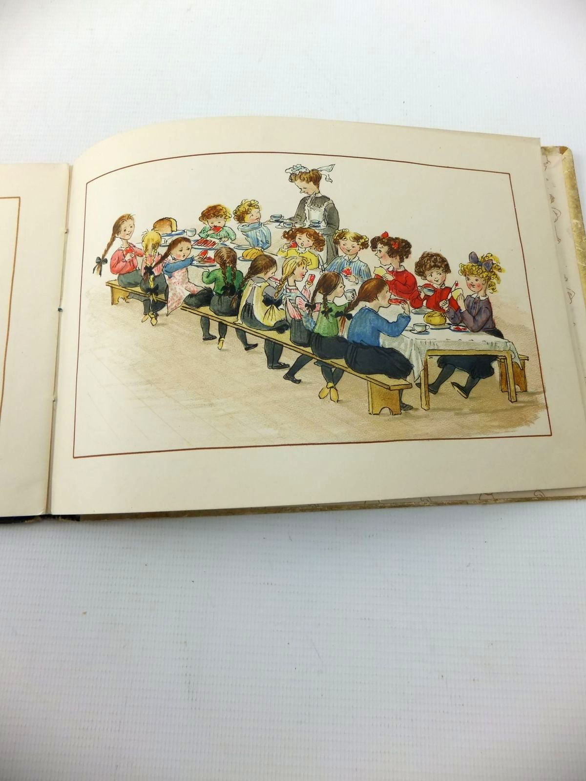 Photo of MOPS VERSUS TAILS written by Ainslie, Kathleen illustrated by Ainslie, Kathleen published by Castell Brothers Ltd., Frederick A. Stokes Company (STOCK CODE: 1814717)  for sale by Stella & Rose's Books