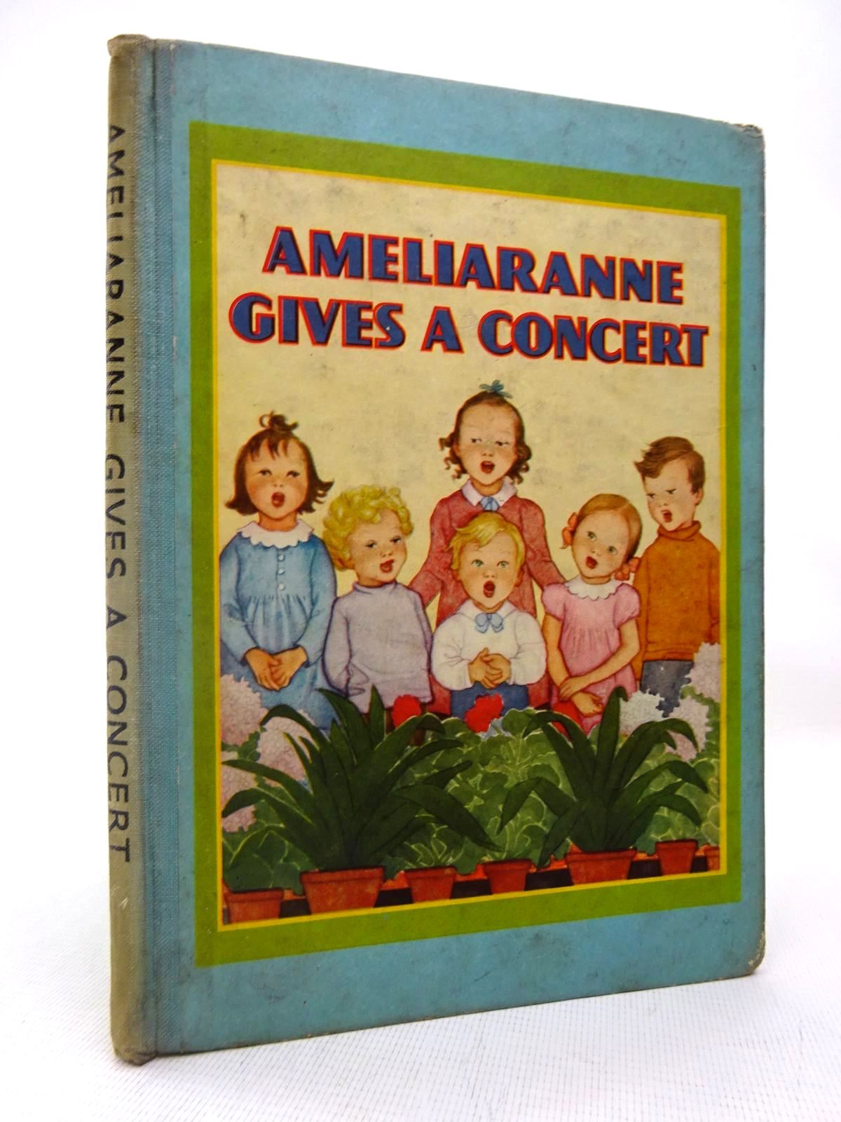 Photo of AMELIARANNE GIVES A CONCERT- Stock Number: 1816451