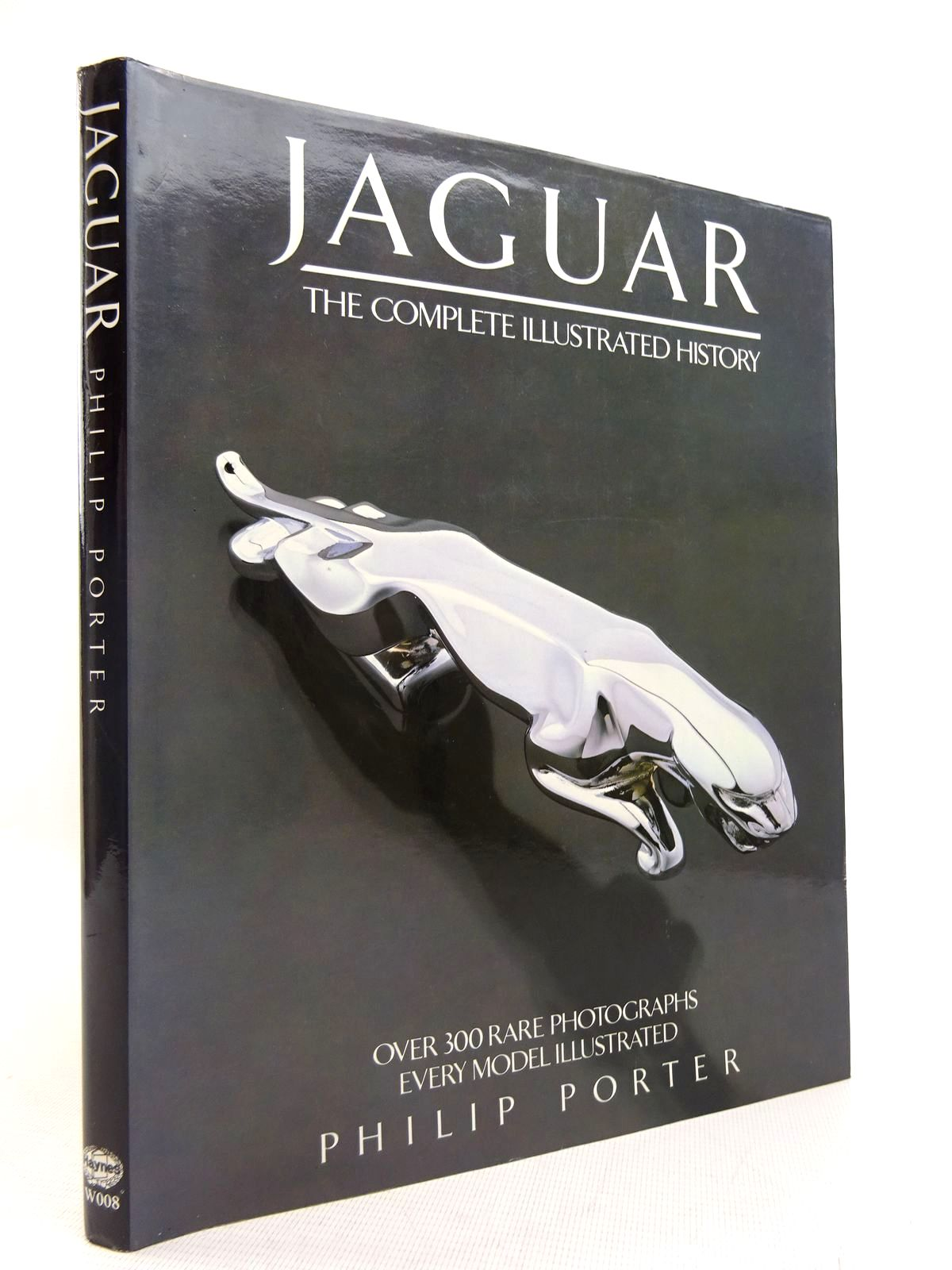 Photo of JAGUAR THE COMPLETE ILLUSTRATED HISTORY- Stock Number: 1816779