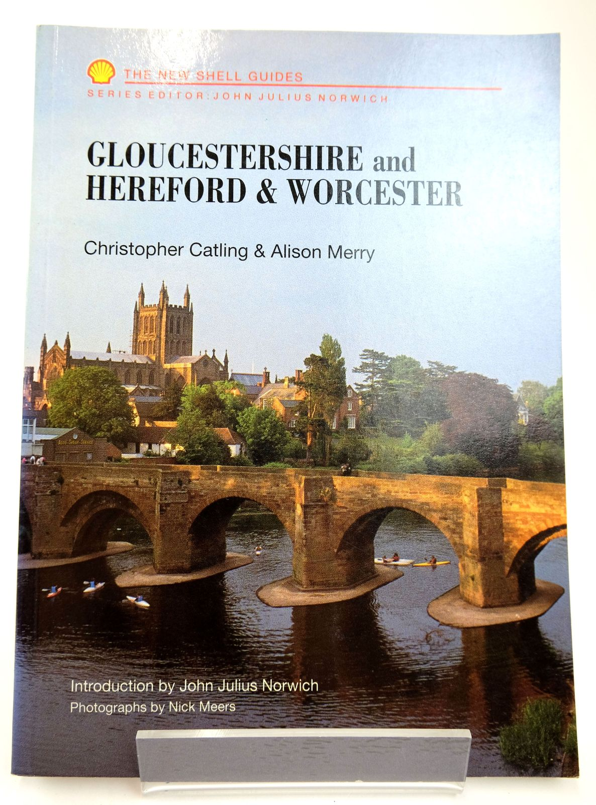 Photo of THE NEW SHELL GUIDES: GLOUCESTERSHIRE, HEREFORD & WORCESTERSHIRE- Stock Number: 1818743