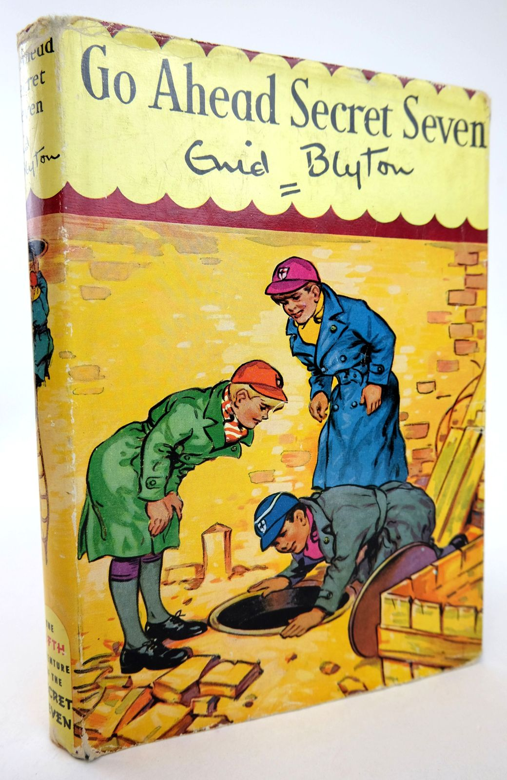 Photo of GO AHEAD SECRET SEVEN written by Blyton, Enid illustrated by Kay, Bruno published by Brockhampton Press (STOCK CODE: 1818773)  for sale by Stella & Rose's Books