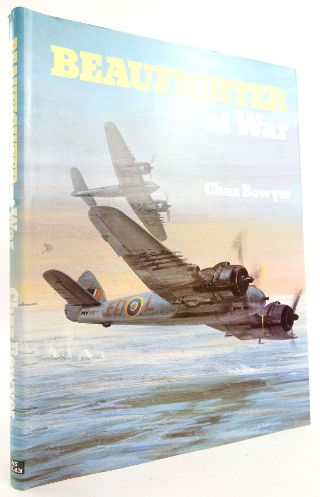 Photo of BEAUFIGHTER AT WAR written by Bowyer, Chaz published by Ian Allan Ltd. (STOCK CODE: 1819843)  for sale by Stella & Rose's Books
