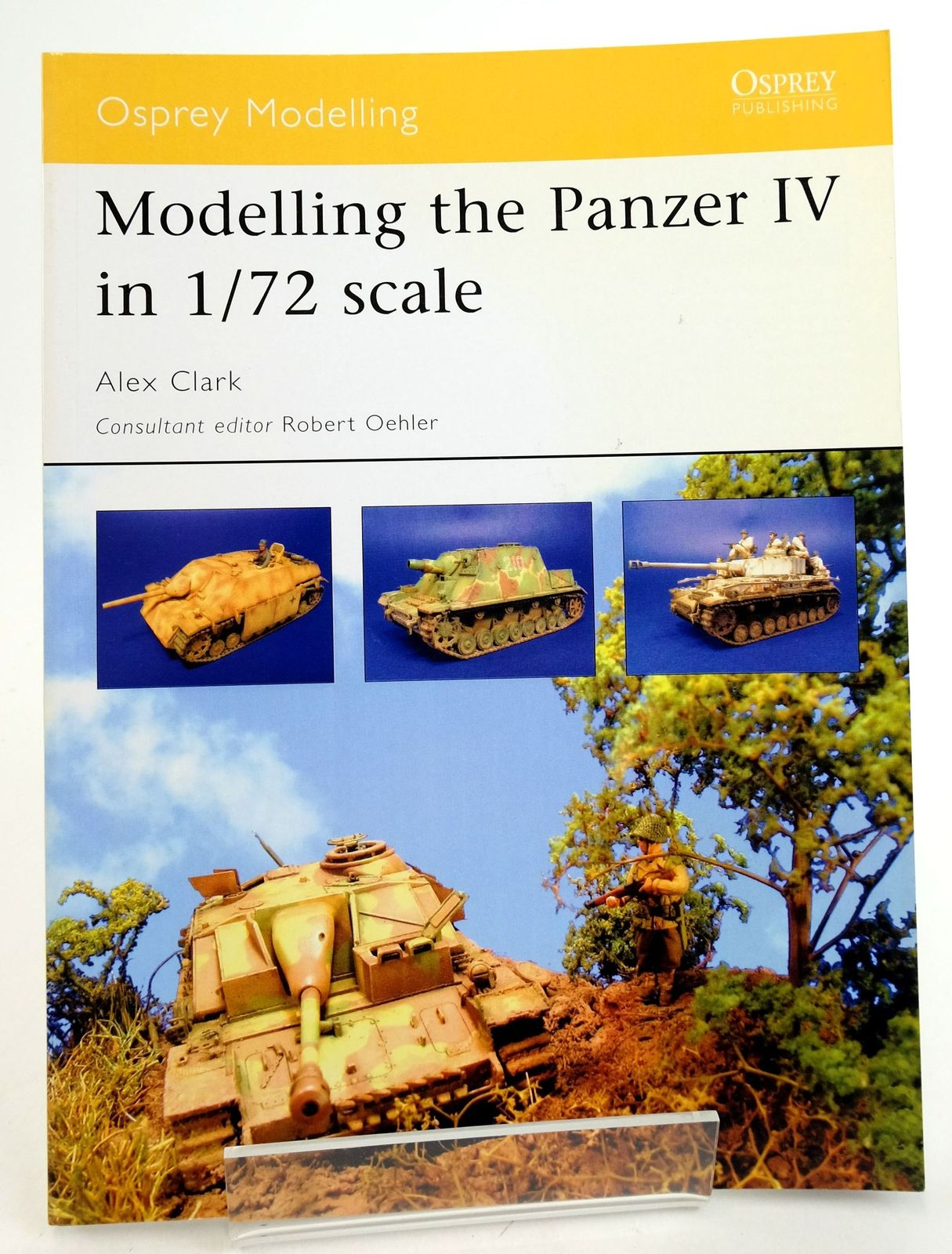 Photo of MODELLING THE PANZER IV IN 1/72 SCALE (OSPREY MODELLING 17) written by Clark, Alex published by Osprey Publishing (STOCK CODE: 1819892)  for sale by Stella & Rose's Books