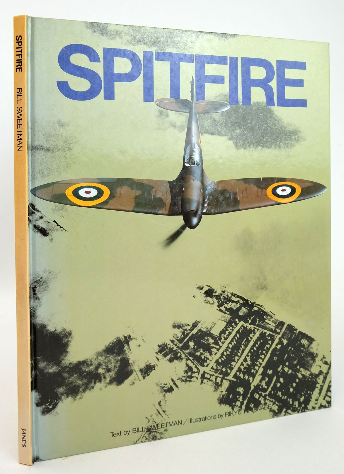 Photo of SPITFIRE written by Sweetman, Bill illustrated by Watanabe, Rikyu published by Jane's Publishing Company (STOCK CODE: 1819983)  for sale by Stella & Rose's Books