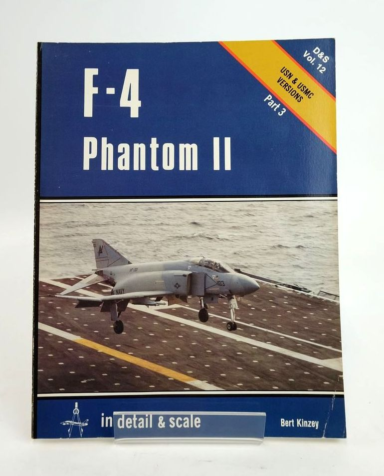 Photo of F-4 PHANTOM II IN DETAIL & SCALE- Stock Number: 1820411